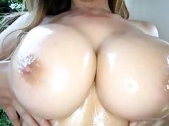 kianna dior - oil titfuck