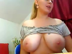 a very sexy big beautiful woman shows off