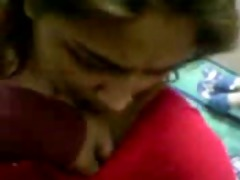 desi girl in red saree disrobe and bj