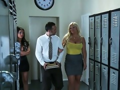 bad teacher admirable boobs
