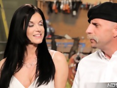 hdvpass d like to fuck hottie india summer rides