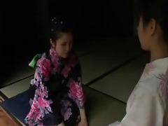 japan girl chastise by her mum