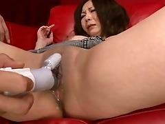 squirting japanese hottie