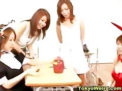 classroom schoolgirl disrobe games