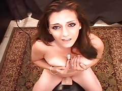 arabian wench pops her love tunnel on sybian!