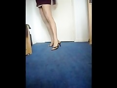 pakistani gal walking in hawt heels showing sexy