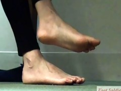 oriental concentration (candid feet preview)