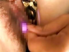 japanese hottie receives enjoyment from vibrator!